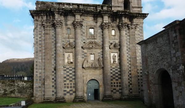Oficina de información de Monfero en el monasterio de Santa María de Monfero